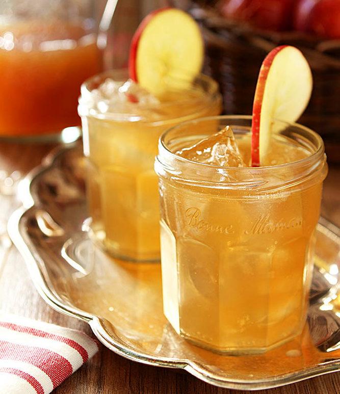 burbon-maple-apple-cider-cocktail-3-600x919